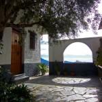 Casa Rural Nº5. Porche de entrada con barbacoa
