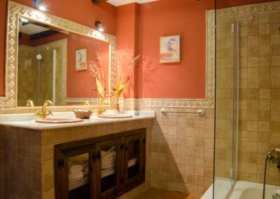 Casa Nº9. Baño de planta alta