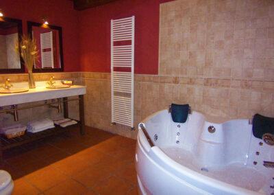 Baño con jacuzzi de la casa Nº3
